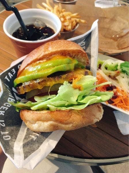 J.S. BURGERS CAFE  渋谷店