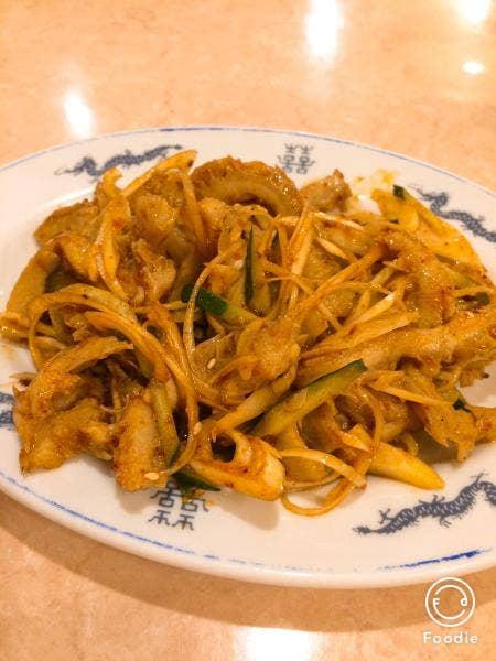 蘭州牛肉拉麺 東珍味小籠包